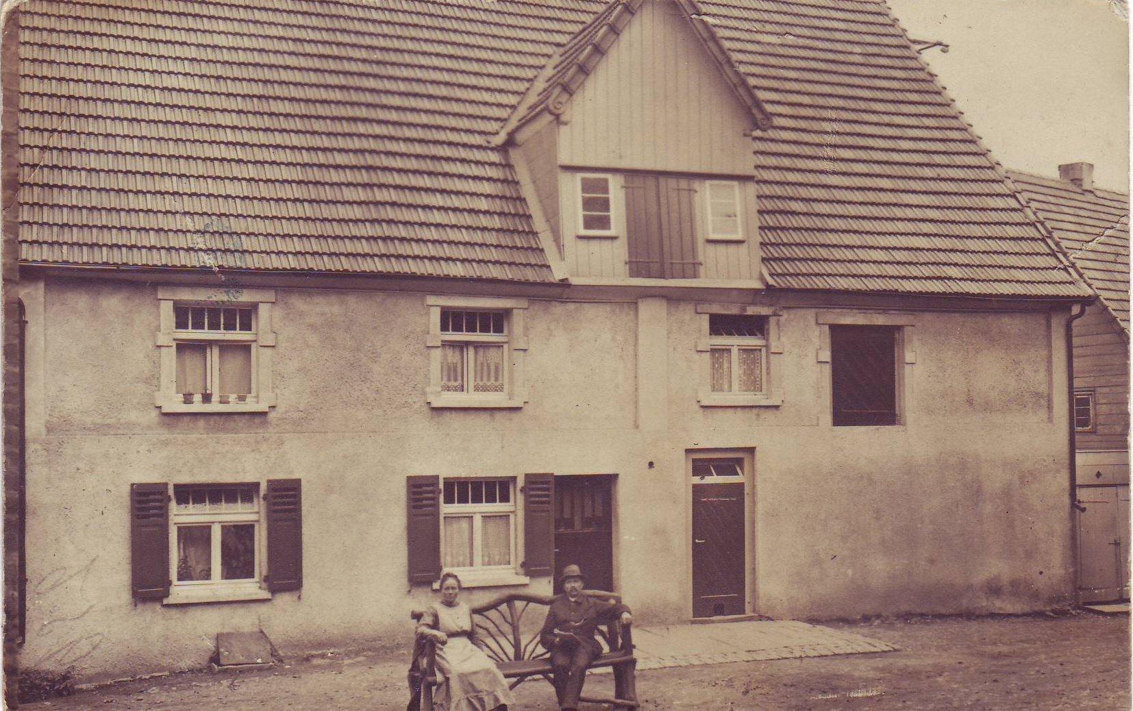 Haus Dörnen Brenscheid mit Oma und Opa