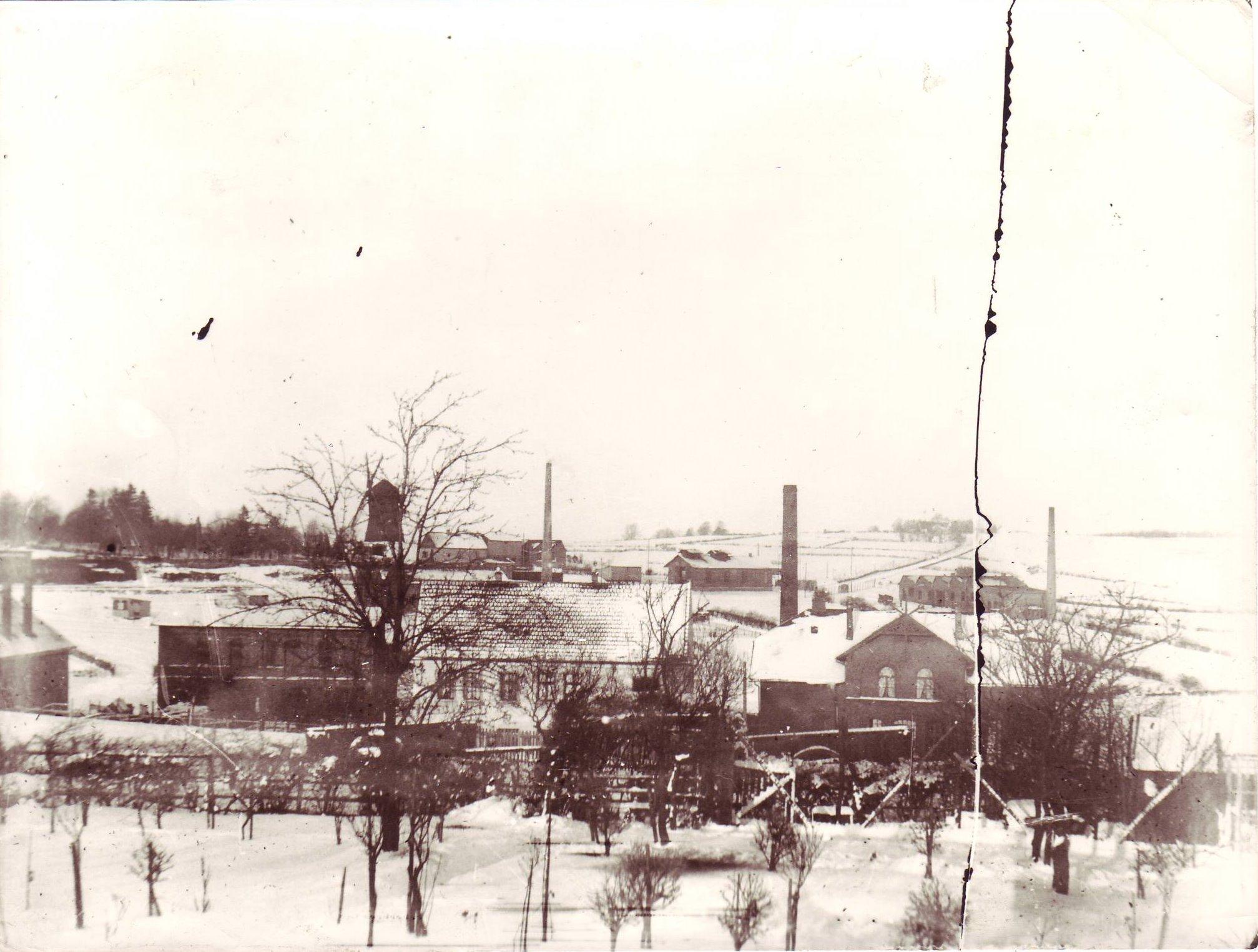 Industriegebiet mit Windmühle