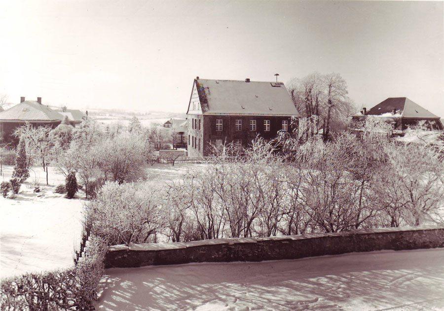 rathaus-winter-rueck-a1